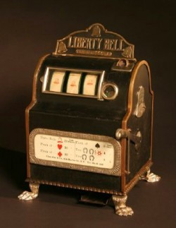 De eerste slotmachine alias gokast