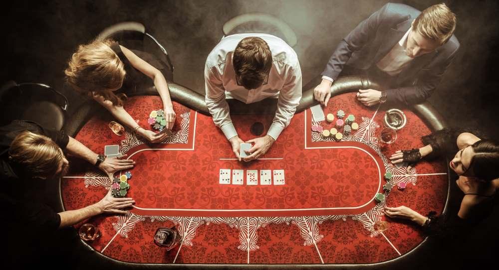 speel live poker online